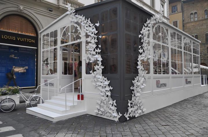 red valentino pop up store adele rotella. Black Bedroom Furniture Sets. Home Design Ideas