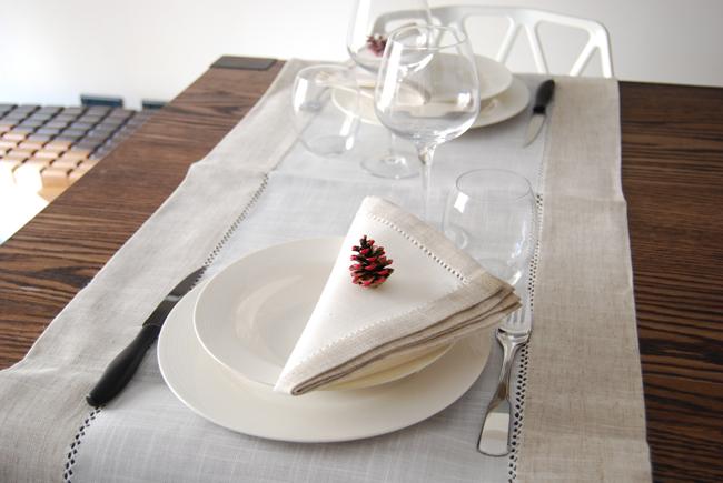 DIY - Decorate with pine cones 3 - Adele Rotella